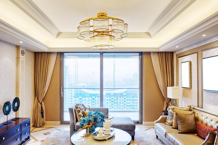 Люстра в интерьере гостиной: секреты выбора гармоничного освещения (35 фото)