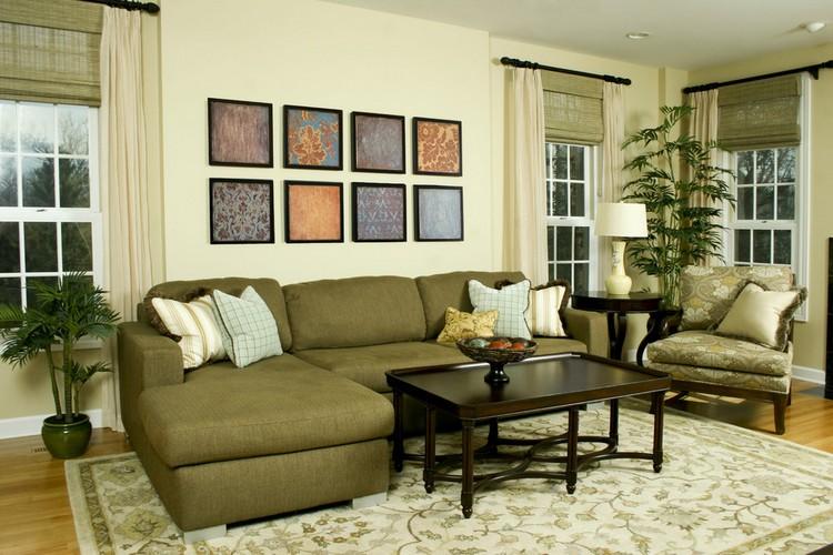 Ковер, подушки и другие элементы декора в оливковой гостиной