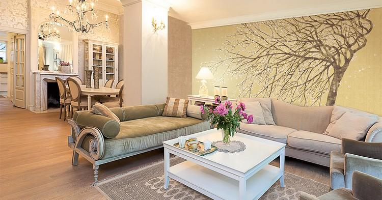 Фрески в интерьере гостиной - весна