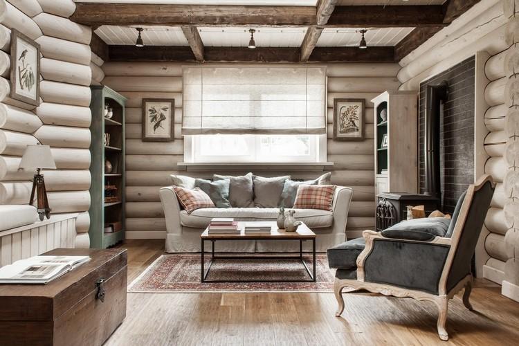 Просторная гостиная в стиле кантри в деревянном доме