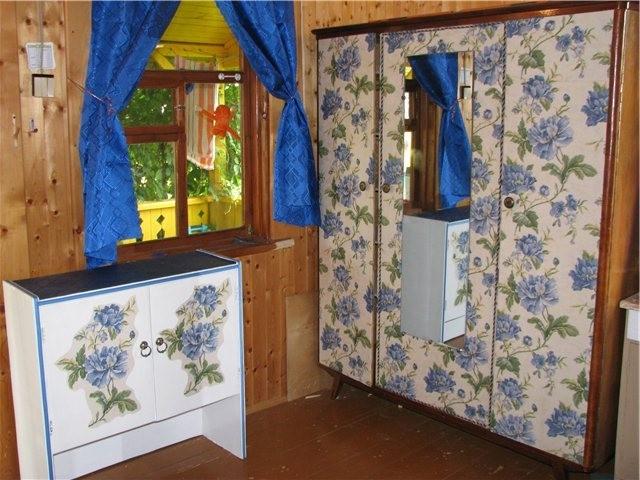 Мебель с цветочным принтом в одном стиле: из старой мебели