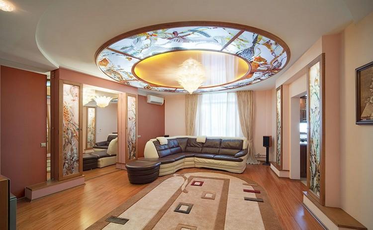 Витражи в интерьере гостиной: изысканные и дорогие цветные стекла в украшении комнаты + 55 фото-дизайнов