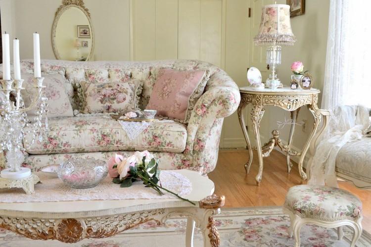 Цветочный принт в интерьере гостиной: природная романтика и чувственность в доме (45 фото)