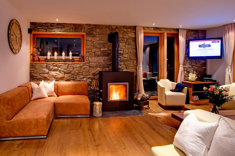 Полы в гостиной: современный дизайн при помощи качественных и популярных материалов (45 фото)
