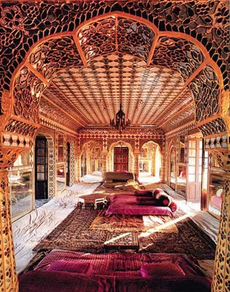Гостиная в индийском стиле: особенности колоритного оформления (35 фото)