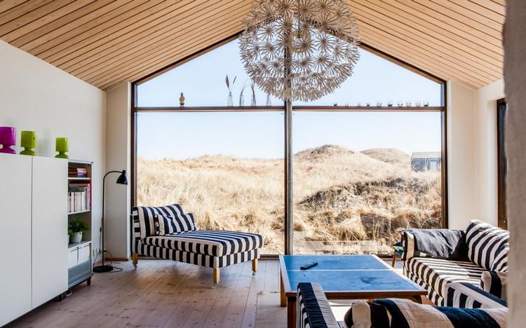 Интерьер гостиной с панорамными окнами: идеи оформления своими руками (48 фото)