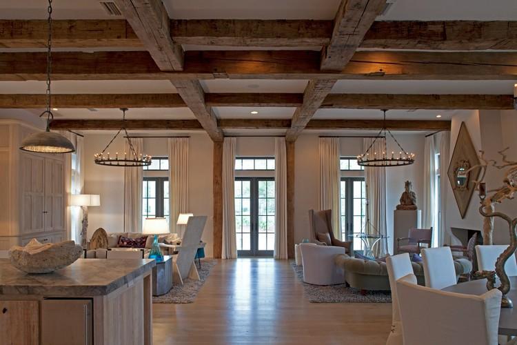 Деревянные открытые балки для дизайна гостиной в эко-стиле